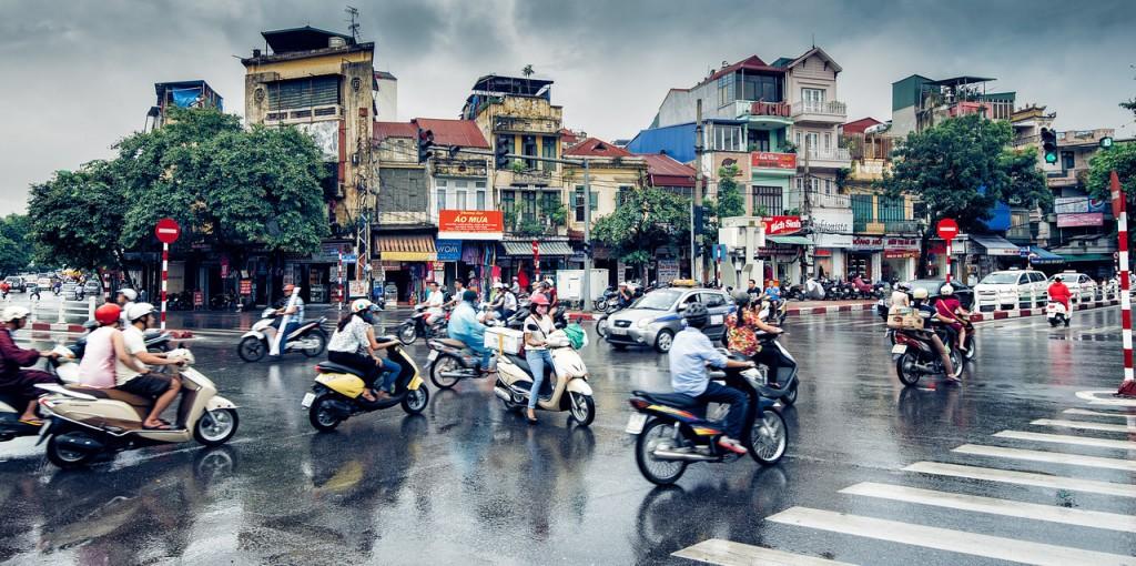 Travelling-Vietnam-Hanoi-streets
